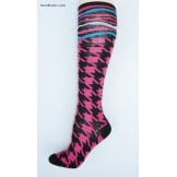 Black and pink hounds tooth with ze..